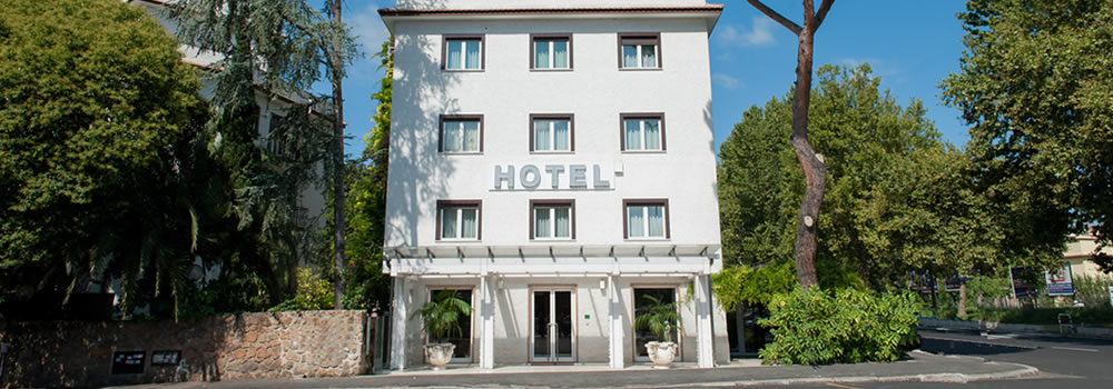 hotel in Rome with partner garage